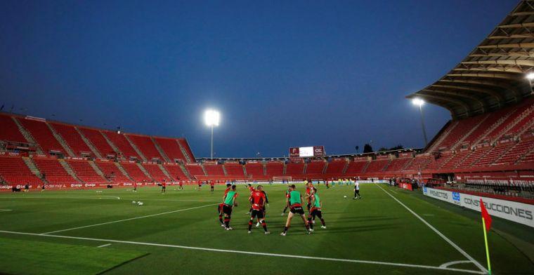 Bizar: vandalen betreden Mallorca-stadion en vernielen met busje het speelveld