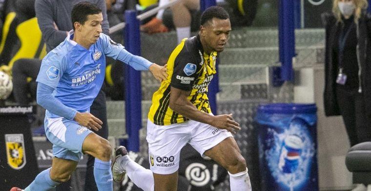 Vitesse verslaat zwaar gehavend PSV na doldwaze slotminuut in Arnhem
