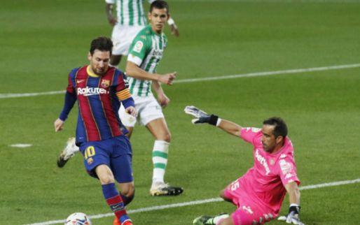 Afbeelding: Messi mag na rust invallen voor Koeman en maakt het verschil voor Barça