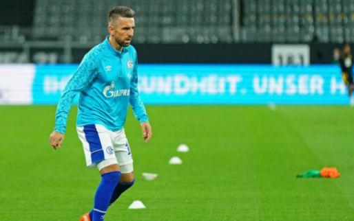 Afbeelding: Zwalpend Schalke 04 slaat spijkers met koppen en stuurt drietal weg