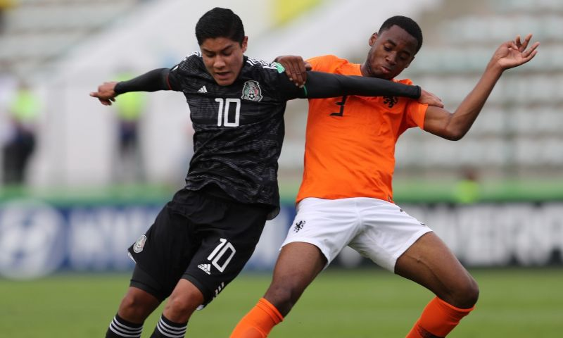 Afbeelding: Di Marzio: FC Barcelona en AC Milan jagen op jeugdinternational Oranje
