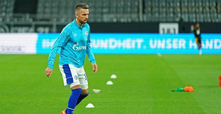 Zwalkend Schalke 04 slaat spijkers met koppen en stuurt drietal weg