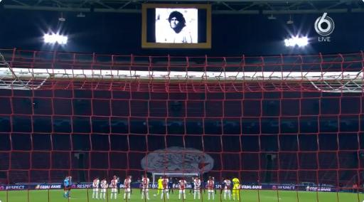 Ajax is zestig seconden stil voor Maradona, Tagliafico zichtbaar aangedaan