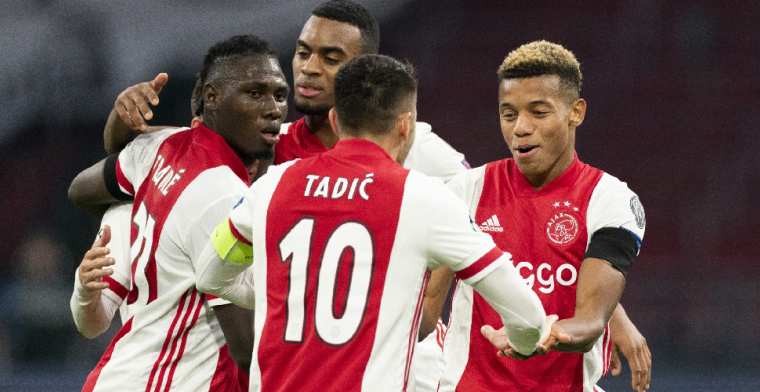 Lof voor uitblinkend Ajax-duo, kritiek op wissel Ten Hag: 'Dit moet je niet doen'