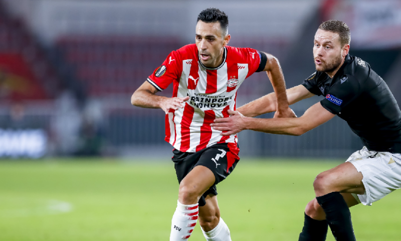 Afbeelding: Zahavi reageert boos na PSV-wissel: 'Zegt genoeg over hoe hij er inzit'