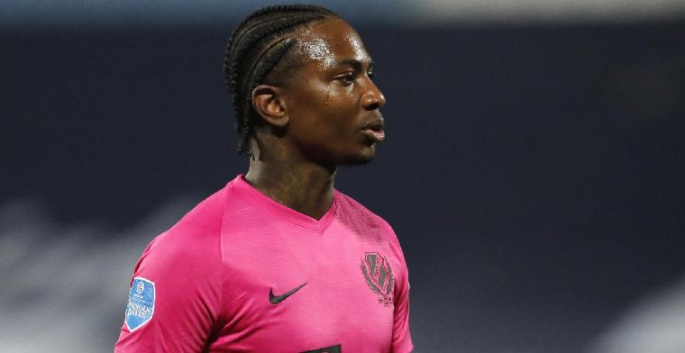 Elia bijt van zich af: 'Bij Feyenoord stopte hij een scheenbeschermer in z'n mond'