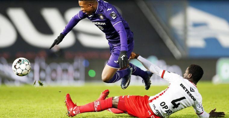 Anderlecht komt moeilijk tot voetballen: 'Grasmat van Vierde Provinciale'