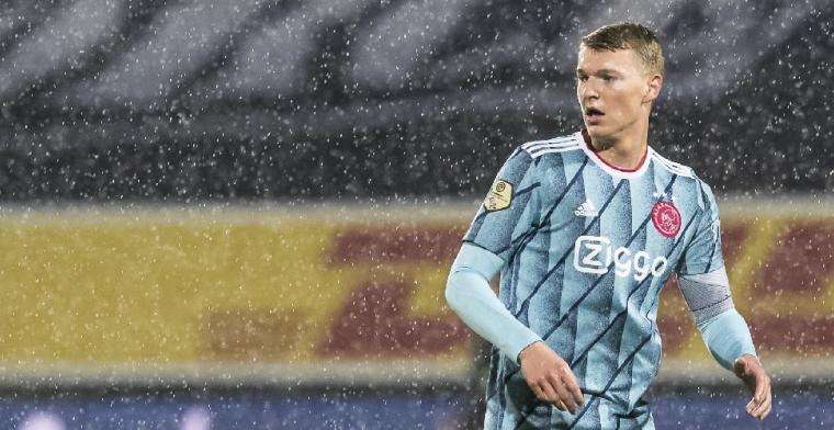 'Voel me op m'n plek bij Ajax en wil hier nog wel een paar seizoenen spelen'