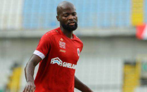 Afbeelding: Antwerp-speler komt in Anderlecht-shirt op club: 'Niemand speelt met m'n carrière'