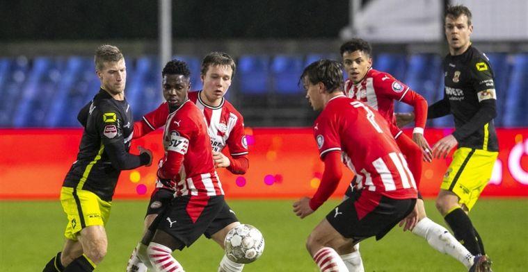 TOP Oss weerhoudt Ajax-talenten van scoren en wint voor de vijfde keer op rij