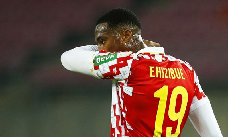 Afbeelding: 'Voormalig PEC-speler Ehizibue moet vertrekken bij Duitse laagvlieger Köln'