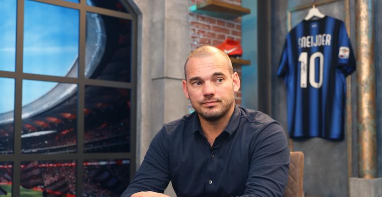 De Boer komt met twee Sneijder-nieuwtjes: Hij gaat de voetballerij weer in, hè