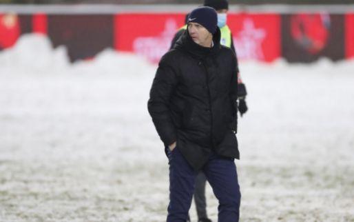 Genk-coach Van den Brom haalt uit naar refs: