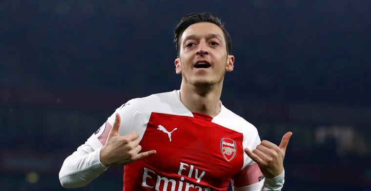 Özil flirt opzichtig met Fenerbahçe, transfer naar Turkije in de maak