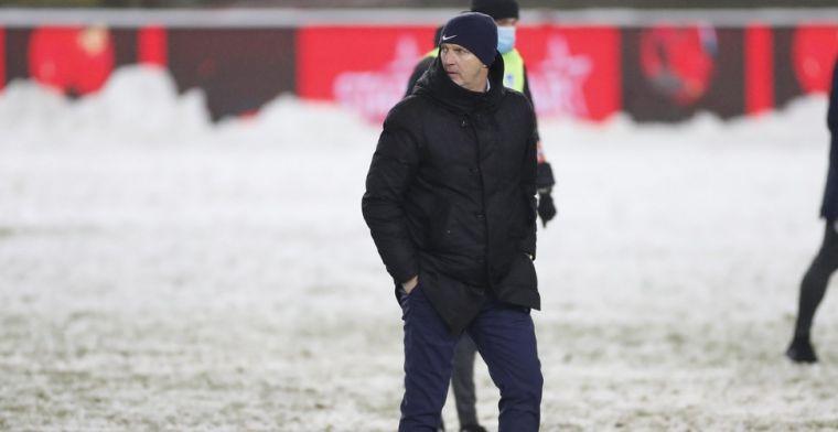 Genk-coach Van den Brom haalt uit na beslissing om te voetballen: Een schande