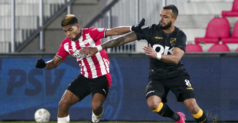 NAC glijdt uit in Eindhoven, Jong Ajax wint dankzij veelbesproken Brobbey