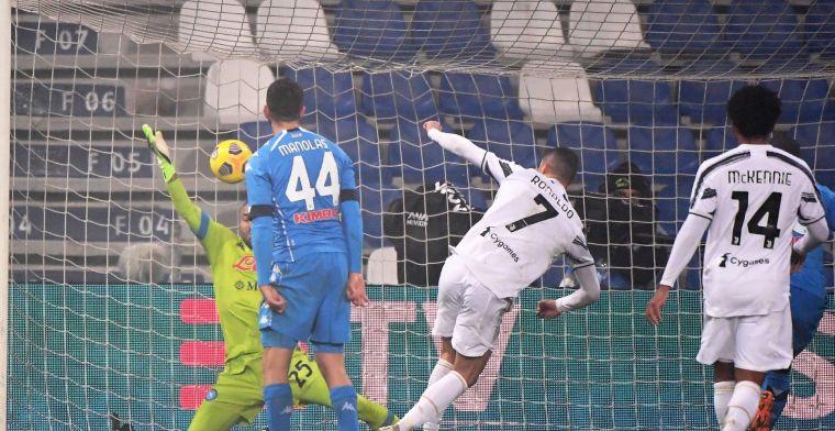 Juve ontsnapt en pakt tegen invaller Mertens negende Supercoppa