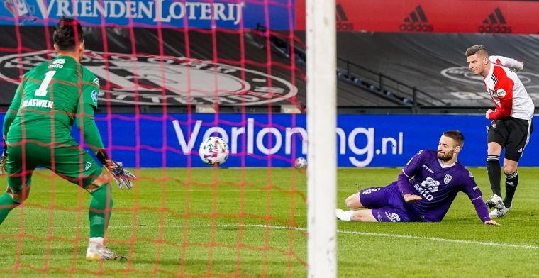 Feyenoord heeft drie kwartier nodig om warm te draaien, maar bekert door