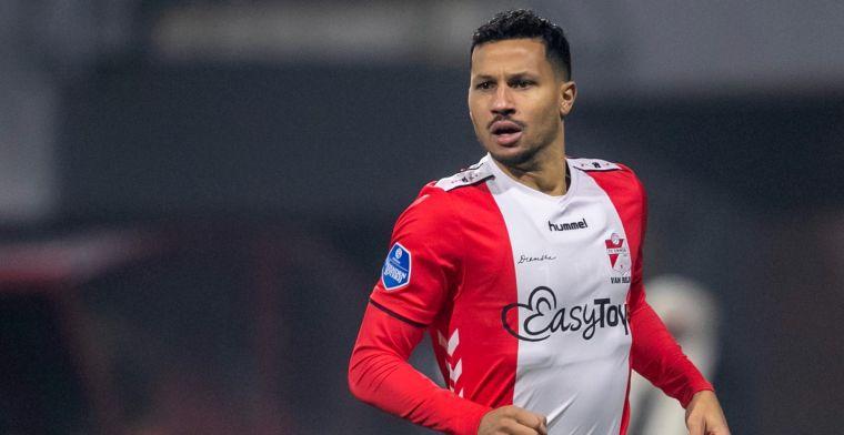 Van Rhijn weer schlemiel bij FC Emmen: 'Beweging die ik moeilijk kan verklaren'