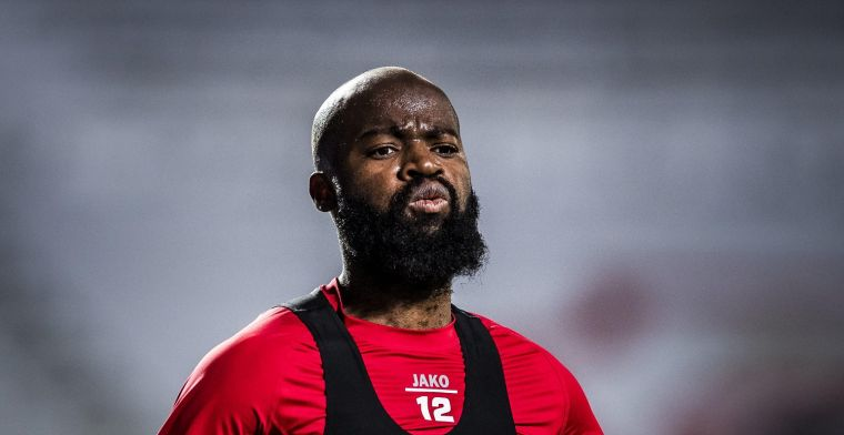 Fans van Antwerp reageren woest: 'La direction: putes de Lamkel Zé'