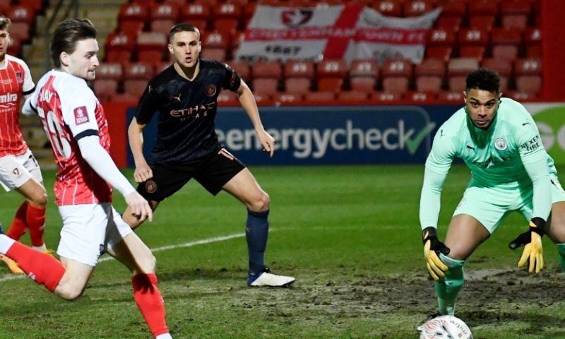 Afbeelding: Man City ontsnapt aan grote blamage in FA Cup tegen vierdeklasser Cheltenham