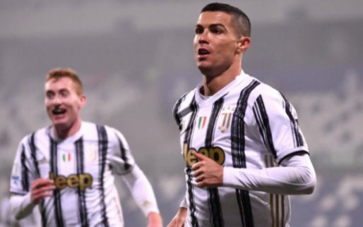 'Ronaldo slaat aanbod van zes miljoen per jaar af, Messi ook benaderd'