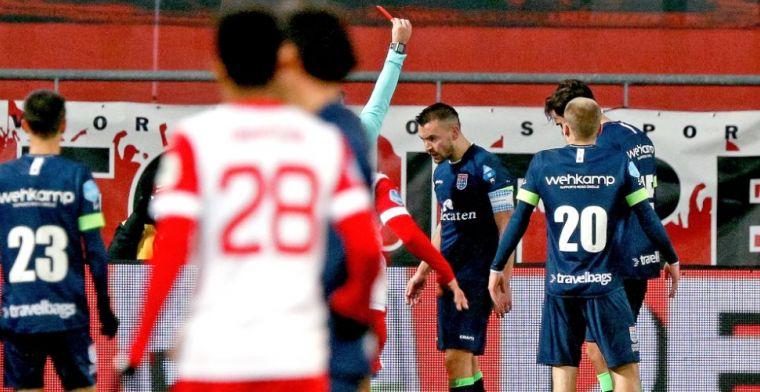 Jubilaris Van Polen na rode kaart: 'Had ik hem maar stomp op zijn smoel gegeven'