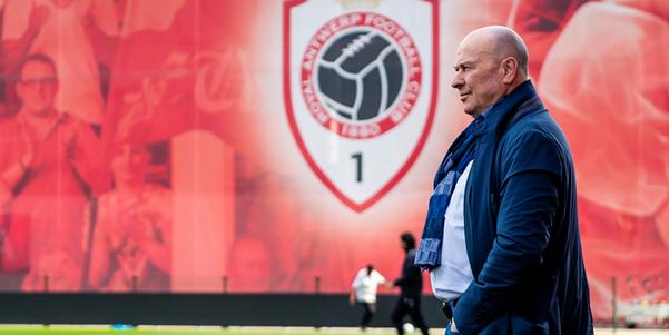 'Antwerp denkt aan vier nieuwkomers, onder andere bij KV Oostende en Fulham'