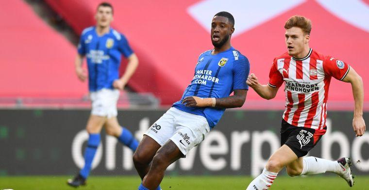 Bondscoaches De Boer én Hiddink bekijken Bazoer: 'Ik heb natuurlijk een doel'