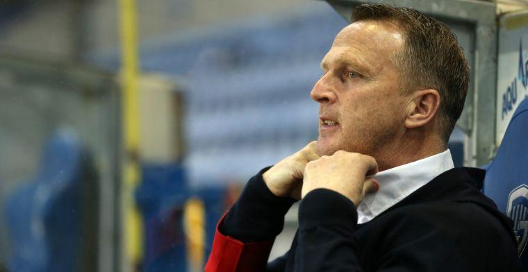 Woedende Genk-fans halen verhaal bij Van den Brom na nieuwe nederlaag
