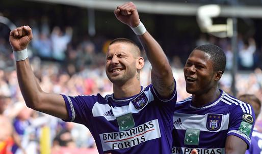 'Anderlecht sloot mooie deal voor Mbemba en Mitrovic, maar kreeg slechts de helft'