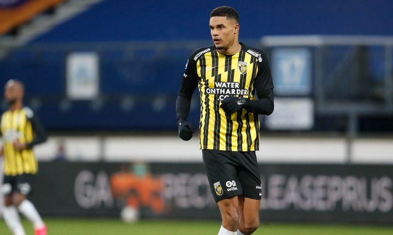 Afbeelding: Vitesse heeft nieuw plan om Giakoumakis af te stoppen: 'Voelen dat we terug zijn'