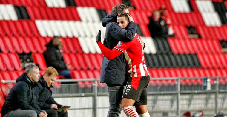Schmidt wijst op verschil PSV en Ajax: Voor veel geld, voor heel veel geld