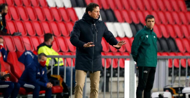 Schmidt verantwoordt zich na PSV-eliminatie: 'Zo lang mogelijk laten staan'