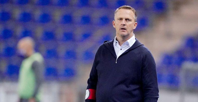 De laatste wedstrijd voor Van den Brom, of moet hij aanblijven?