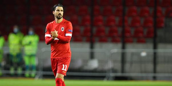 'Refaelov heeft drie voorstellen op zak, Antwerp blijft de kat uit de boom kijken'