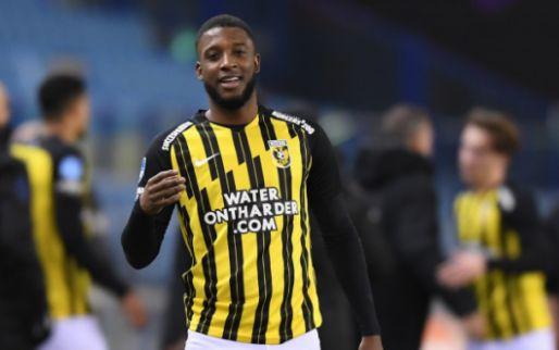 'Bazoer toont berouw en mocht spelen van Letsch: Vitesse-groep sputtert tegen'
