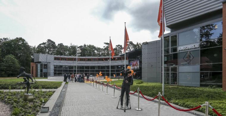 KNVB baalt van Rutte: 'Onnodig, we zijn hiermee onvoldoende geholpen'