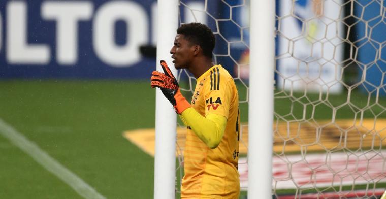 'Ajax vliegt snel naar Brazilië om te onderhandelen over Hugo Souza'