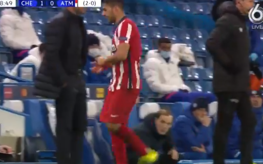 Suárez wordt binnen een uur al gewisseld tegen Chelsea en negeert Simeone