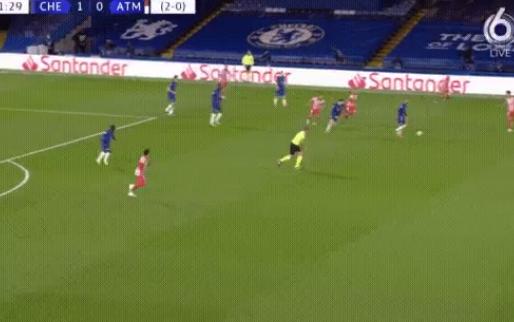 Ziyech laat fans genieten in Champions League: fijne trekbal met buitenkant links