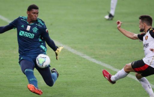 Afbeelding: 'Ajax op vinkentouw voor Flamengo-doelman: bod van 8 à 10 miljoen euro op komst'