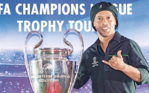 Afbeelding: Zorgen om welzijn Ronaldinho: 'Begint vroeg met drinken en stopt ochtend erna'