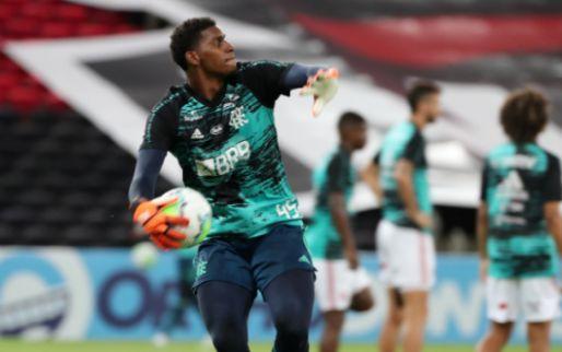 Afbeelding: Diego Alves helpt Ajax-target: 'Ik probeer zoveel mogelijk van hem te leren'