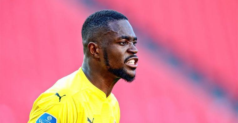 PSV-goalie Mvogo: 'Achteraf kan ik erom lachen, zulke dingen gebeuren in voetbal'