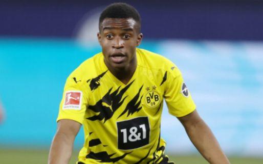 'Dortmund-parel Moukoko (16) sluit ex-vriendin op in huis, politie valt binnen'