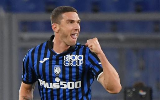 Afbeelding: Voetbalhumor: Gosens (Atalanta) krijgt Ronaldo-shirt van Hateboer en co.