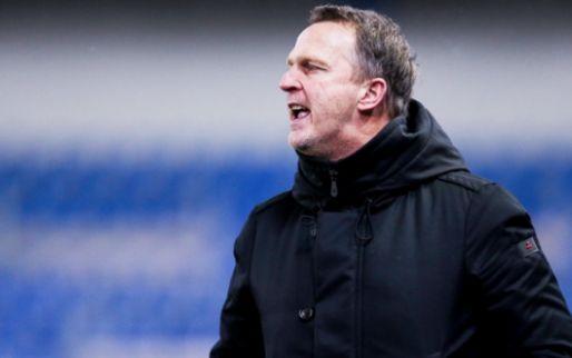 Ontevreden Van den Brom blikt terug op verlies Genk: