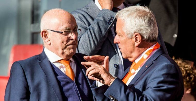 Van Praag weg met ongekende knal: 'Super League-contracten al afgesloten'