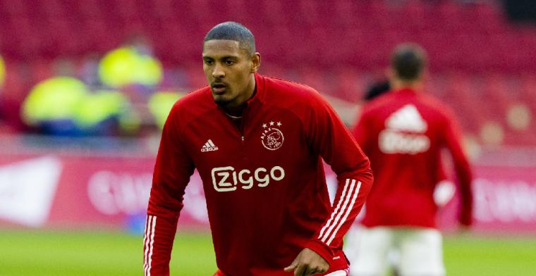 Ten Hag neemt het op voor 'missing link' Ajax: 'Jullie willen wat zoeken'